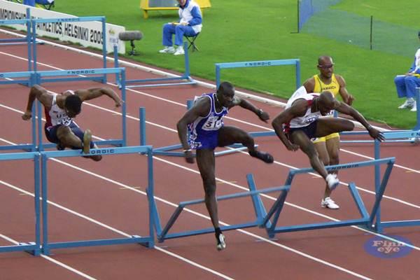 Final dos 110 metros com barreira, mundial de Helsinki/2005. (finneye/flickr)