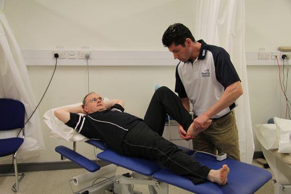 Tratamento de fisioterapia. (niassembly/flickr)